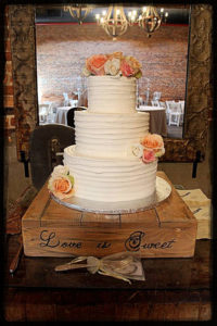 rent wooden cake stand atlanta